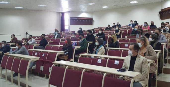 Atatürk Üniversitesinde paneller serisi