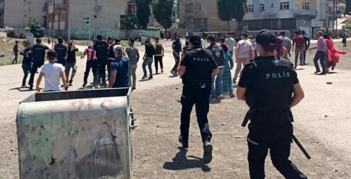 Erzurum'da taşlı, bıçaklı kavga; 2 yaralı, 7 gözaltı