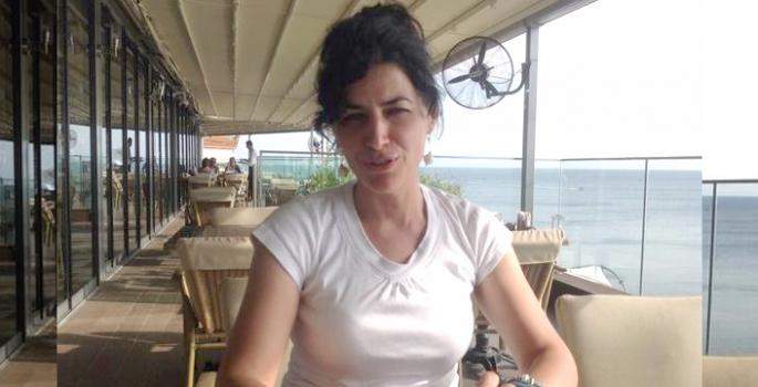 Gazeteci Ela Karasu annesini kaybetti