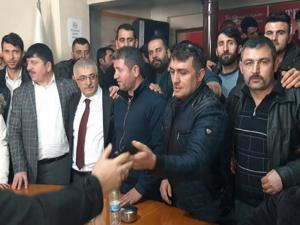 Ak Parti adayı Ahmet Dölekli'ye coşkulu karşılama