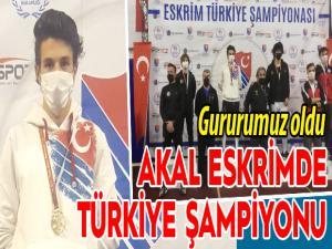 Akal Eskrimde Türkiye şampiyonu