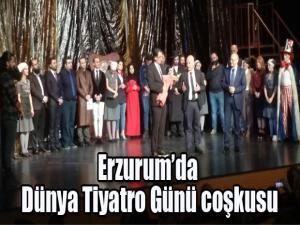 """Erzurum'da """"Dünya Tiyatro Günü"""" coşkusu"""
