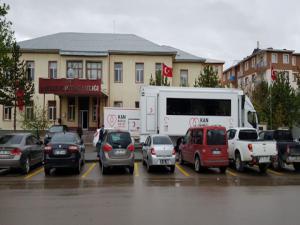 Yağmur kan bağışçılarına engel olamadı
