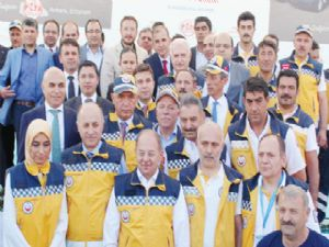 Erzurum'da ambulans dağıttı