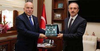 Başkan Sekmen, Vali Cüneyt Epcim'i ziyaret etti