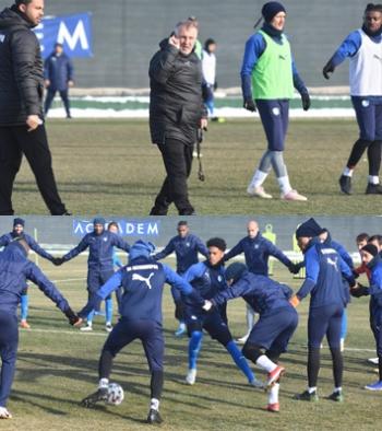 BB Erzurumspor Mesut Bakkal yönetiminde ilk antrenmanına çıktı