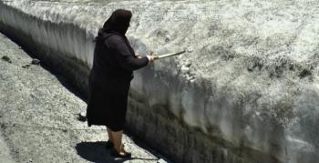 Erzurum'da Haziran ayında adam boyu kar