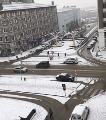 Erzurum'da kar sevinci