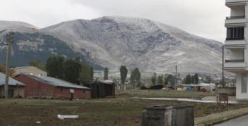 Erzurum'da zirve beyaza büründü
