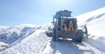 Erzurum'un kar çilesi bitmiyor