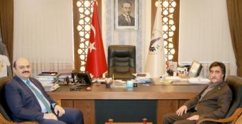 MHP'li Karadaş'tan yerel yönetim övgüsü
