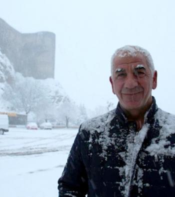 Oltu'da kar kalınlığı 15 santimetreyi aştı