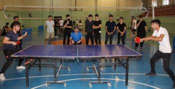 Oltu'da masa tenisine yoğun ilgi