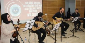 Oltu'da öğretmenlerden müzik ziyafeti