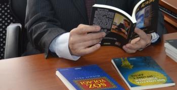 Şair Aksu'nun 3 kitabı okuyucularıyla buluştu
