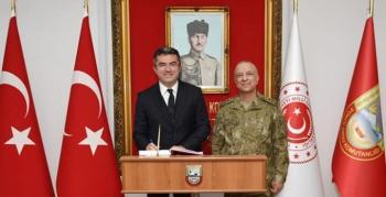 Vali Memiş'ten, Korgeneral Türkgenci'ne iade-i ziyaret