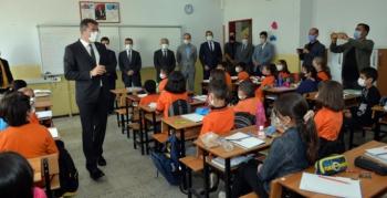 Vali Memiş'ten okullara sıkı takip