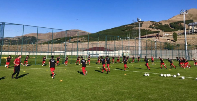 Milliler, Erzurum'da güç depoluyor