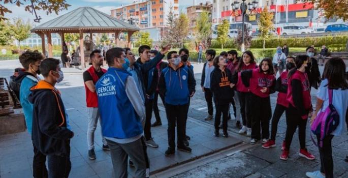 Palandöken Gençlik Merkezinden 'Tarihimizi Görüyoruz' gezisi