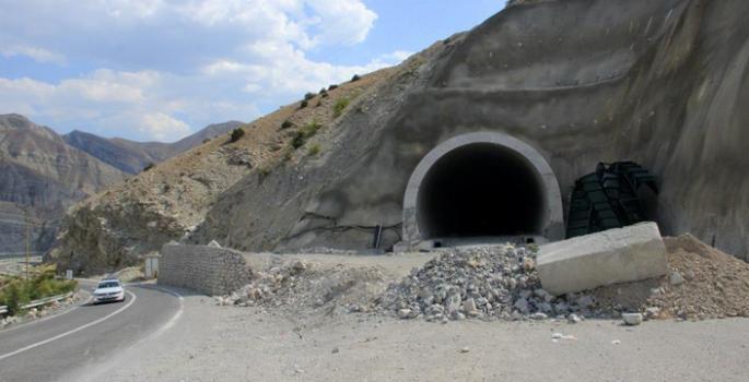 Pirinkayalar Tüneli'nde sona gelindi