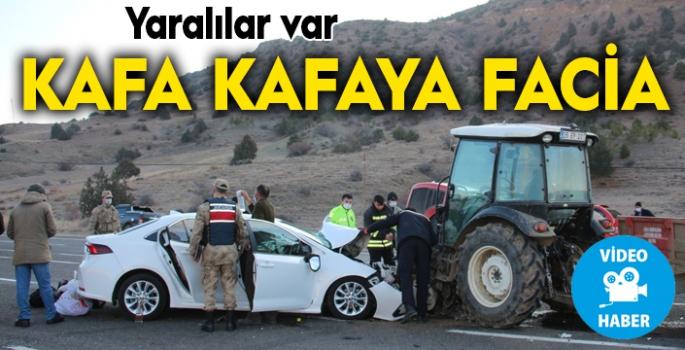 Traktör ile otomobil kafa kafaya çarpıştı: 4 yaralı