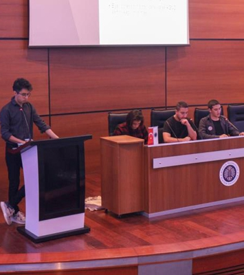 Deneyimli öğrencilerden Erasmus sunumu